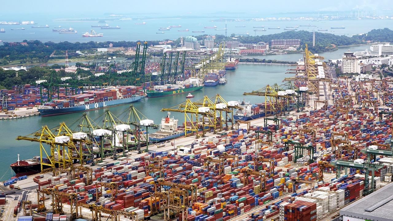 port, ships, cranes-614543.jpg